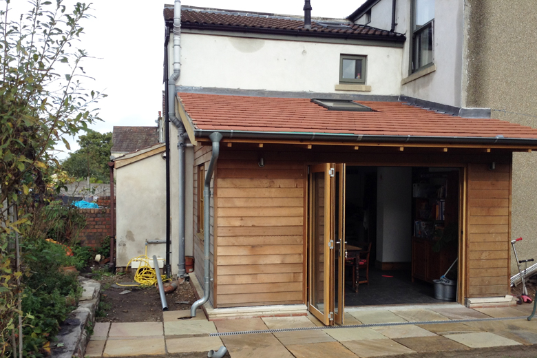 Kitchen extension super-insulated and clad in western red cedar